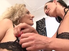 Mature moms love anal sex and to suck black cocks Thumb