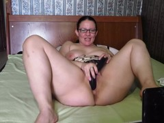 Busty, mature Milf, fucks her holes on webcam. anal, boobs, double penetrat Thumb